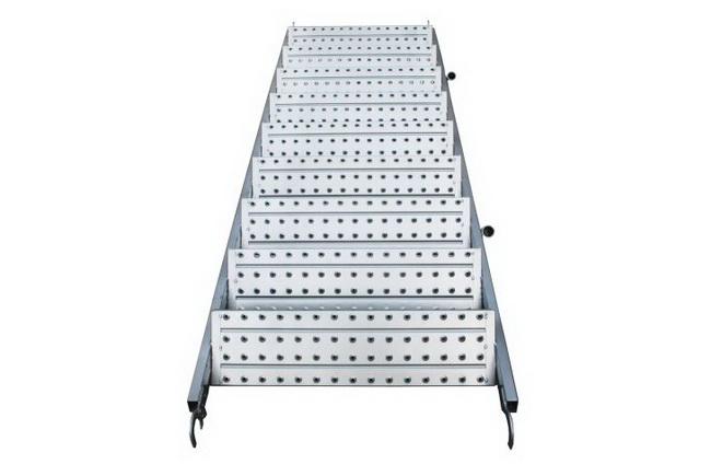 cầu thang giàn giáo xây dựng